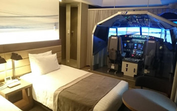 Japanese hotel offers flight simulation in room