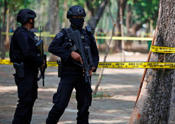 Suspected grenade blast near Indonesia's presidential palace hurts two
