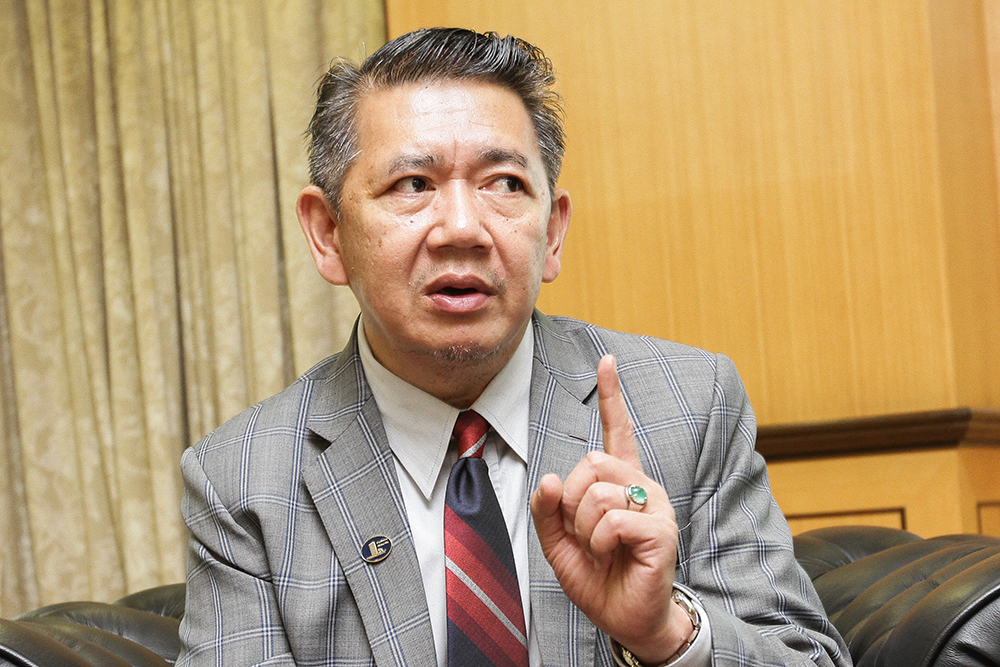 Agriculture Minister Datuk Seri Salahuddin Ayub said although Malaysia did not import any food products from Wuhan and there was no evidence indicating the spread of the epidemic through food, however, security controls and inspections should be carried out as a precautionary measure. — Picture by Miera Zulyana