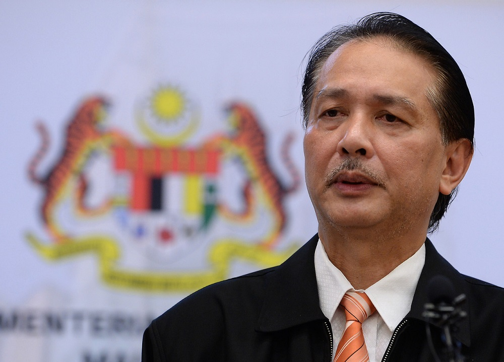 Health director-general Datuk Dr Noor Hisham Abdullah said as of noon, the total number of Covid-19 positive cases in Malaysia stands at 7,059, while the number of active infectious cases is at 1,149. ― Bernama pic