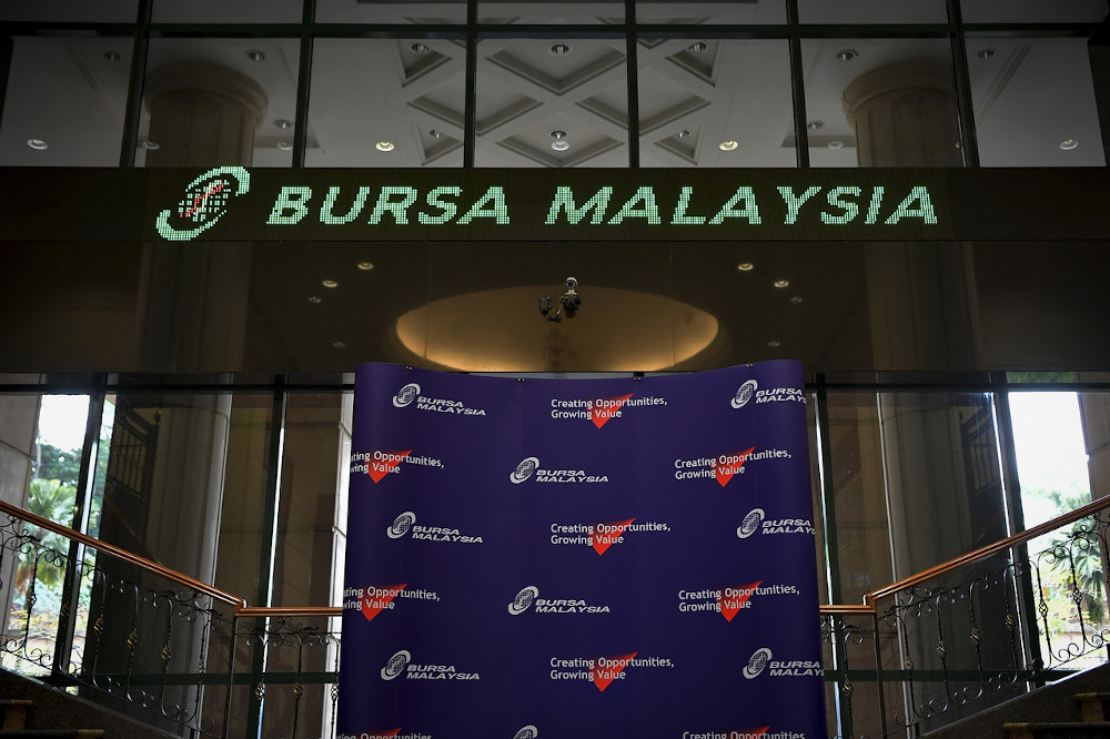 The global onslaught of the Covid-19 pandemic and fluctuations in the domestic political landscape have led to a rather turbulent journey for Bursa Malaysia over the past two years. — Bernama pic