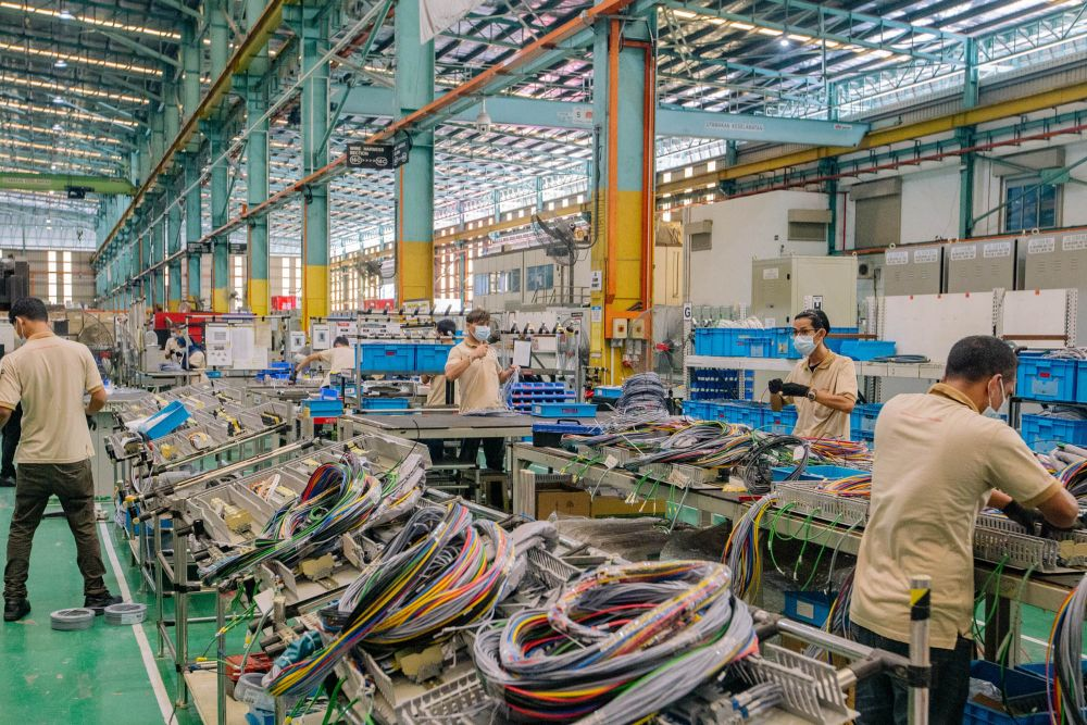 Chief statistician Datuk Seri Mohd Uzir Mahidin said the manufacturing sector's output decreased by 6.5 per cent y-o-y in July 2021 after recording a downturn of 0.2 per cent in June 2021. — Picture by Firdaus Latif
