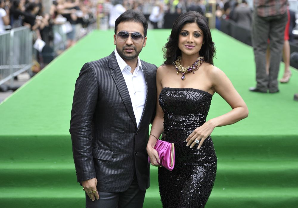 Bollywood actress Shilpa Shetty and husband Raj Kundra arrive on the green carpet during the International Indian Film Academy Awards in Toronto June 25, 2011. — Reuters pic