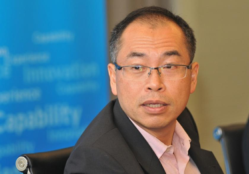 Special advisor to the chief minister of Penang Datuk Lee Kah Choon speaking to the press. — Picture by KE Ooi