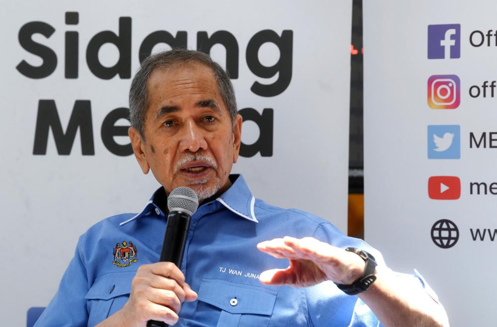 Datuk Seri Wan Junaidi Tuanku Jaafar speaks to the media at the closing ceremony for the Aidilfitri 2021 Bazaar at Auditorium Cempaka Sari, Putrajaya Corporation Complex, June 29, 2021. — Bernama pic