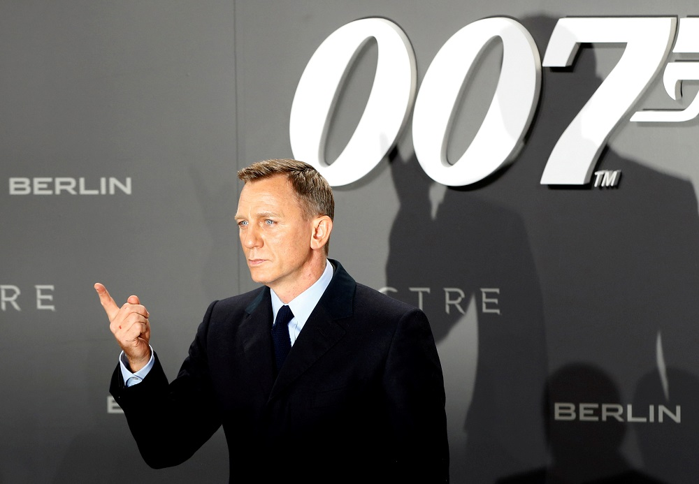 Actor Daniel Craig poses for photographers on the red carpet at the German premiere of the new James Bond 007 film 'Spectre' in Berlin October 28, 2015. — Reuters pic