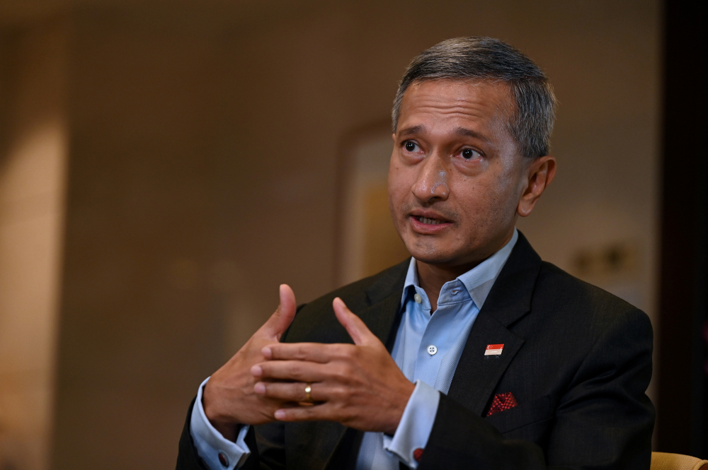 Singapore's Foreign Minister Vivian Balakrishnan stressed that Singapore remained committed to maintaining a constructive and positive relationship with the current Malaysian government. — Reuters pic